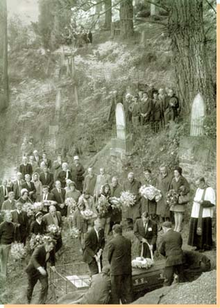 One of the last funerals at the Walhalla Cemetery